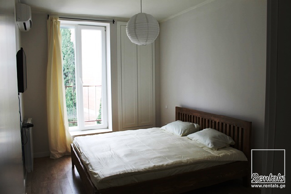 flat ( apartment ) For Rent  In Tbilisi , Vake; Arakishvili