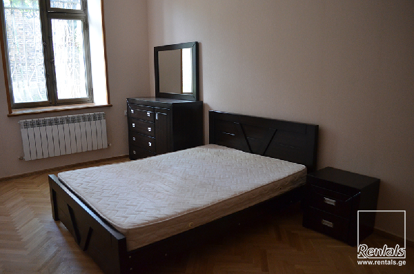 flat ( apartment ) For Rent  In Tbilisi , Chugureti; Kumisi
