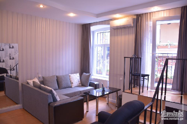 flat ( apartment ) For Rent  In Tbilisi , Vera; Dimitri bakradze